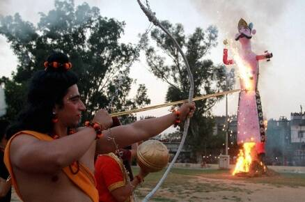 Dussehra 2016: Raavan dahan to sindoor khela, how India celebrated the festival