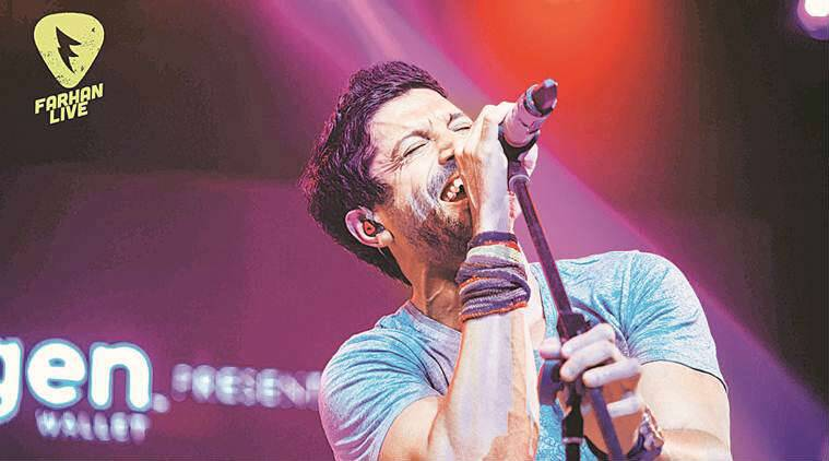 Farhan Akhtar live performances, Farhan Akhtar Rock On 2, Farhan Akhtar perfroming for live audience, Farhan Akhtar skydiving, Farhan Akhtar movies, Farhan Akhtar upcoming movies, Farhan Akhtar news, Farhan Akhtar updates, bollywood news, bollywood updates, entertainment news, indian express news, indian express