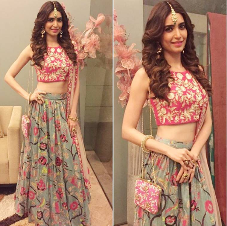 festive-fashion-karishma-tanna_759_afashionistasdiaries-instagram