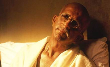 mahatma gandhi, mahatma gandhi pictures, mahatma gandhi bollywood, mahatma gandhi bollywood films, mahatma gandhi in films, gandhi bollywood adaptation, gandhi films, gandhi best fils, actors who played gandhi, actors gandhi onscreen, lage raho munnabhai, gandhi my father, gandhi, father of the nation, gandhi jayanti, bollywood gandhi jayanti, entertainment news, indian express, indian express news