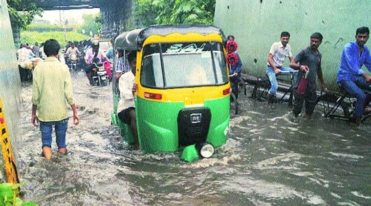 gujarat, gujarat monsoon, unseasonal rain gujarat, gujarat weather, gujarat rains, gujarat crops, india news, gujarat news, Indian express news