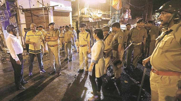Vadodara, Vadodara clash, Vadodara old city clash, arrest, inspector transferred, indian express news, india news, vadodara news