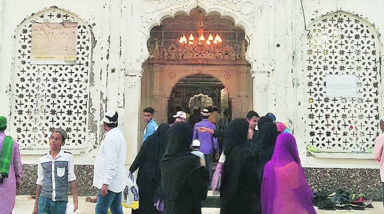 haji ali, sabarimala, haji ali dargah, haji ali women entry, sabarimala women entry, sabarimala supreme court, indian express, latest news