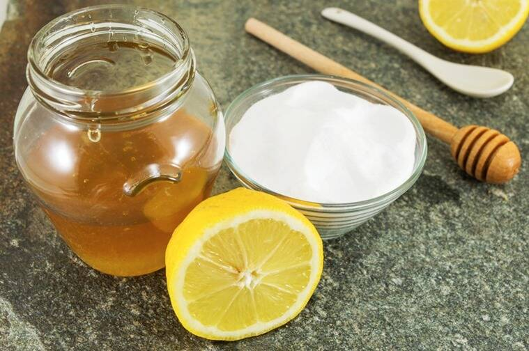 Honey, lemon and curd contain skin cleansing properties that gives it a radiant glow. (Source: Thinkstock Images)