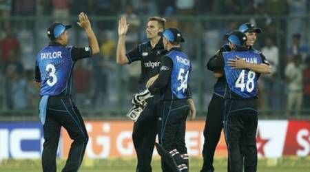 India falter at final hurdle to go down to New Zealand