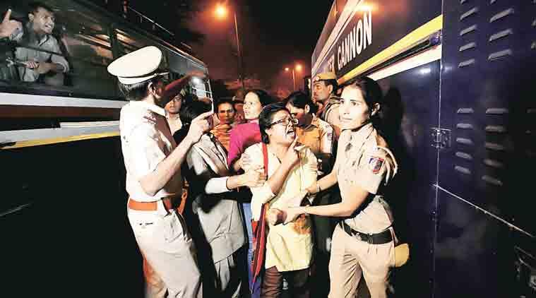 jnu najeeb ahmad, najeeb ahmad jnu student, human chain vc jnu, jnu najeeb ahmad protest, delhi news, indian express