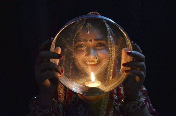 Karwa chauth,Karwa chauth 2016, Karwa chauth vrat vidhi,Karwa chauth tips, Karwa chauth vidhi, Karwa chauth timing moon 2016