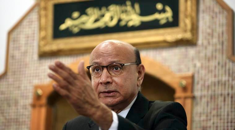 khizr khan, captain humayun khan, donald trump, hillary clinton, father of dead muslim soldier, father of fallen muslim soldier, khizr khan hillary clinton, hillary clinton new ad, clinton campaign, world news, us elections news, indian express news