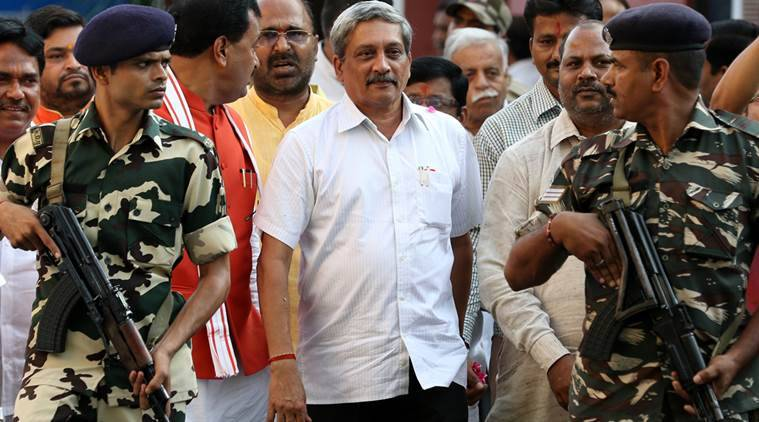 manohar parrikar, parrikar dress, parrikar attire, manohar parrikar defence minister, india defence minister, parrikar surgical strikes, manohar parrikar news, indian express news, india news