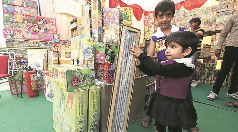 Chandigarh, chandigarh festival stalls, chandigah diwali stalls, chandigarh dussehra stalls, chandigarh stall fee, chandigarh festival stall fee, chandigarh news, indian express news
