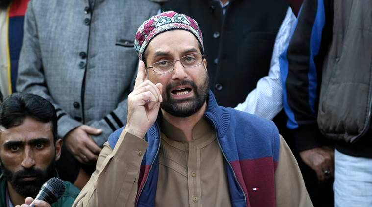 Kashmiri leader, Mirwaiz Umar Farooq, addresses journalists at a press conference in Srinagar, Indian controlled Kashmir, Tuesday, Oct. 25, 2016. The key separatist leader Farooq on Tuesday announced that he and his supporters will march to the grand mosque in the main city of Srinagar in Indian-controlled Kashmir on Friday, Oct. 28, 2016 inspite of an expected security clampdown. (AP Photo/Mukhtar Khan)