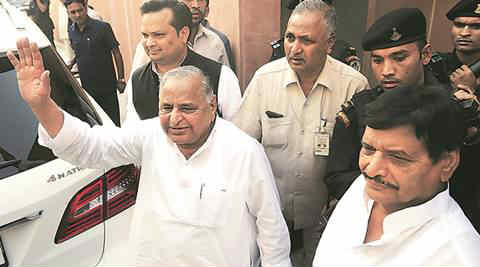 No end to crisis in Samajwadi Party, but many in party rally behind Akhilesh Yadav