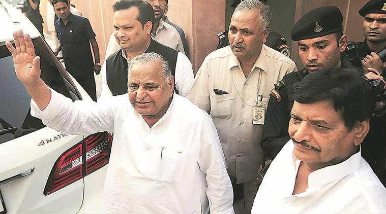 mulayam, mulayam singh yadav, akhilesh akhilesh yadav, shivpal, samajwadi party, yadav family, samajwadi party family, uttar pradesh politics, uttar pradesh assembly elections, uttar pradesh news, india news