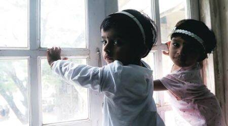 Riddhi & Siddhi -- twins living in Bombay hospital ward, all but abandoned by their parents