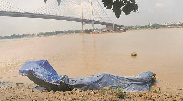 kolkata, kolkata parents throw baby in river, kolkata parents kill baby, baby thrown in river, baby thrown in hooghly, kolkata parents arrested, alipurduar parents arrested, kolkata news, indian express news