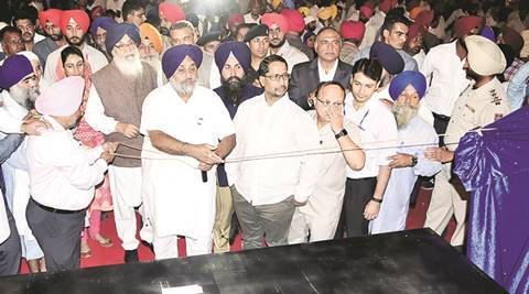 CM Parkash Singh Badal opens Heritage Street at Golden Temple with blessings from 'sants'
