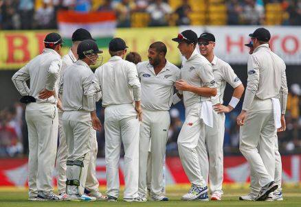 murali vijay, vijay, Jeevan Patel, india vs new zealand, ind vs nz, ind vs nz 3rd test, ind vs nz indore, ind vs nz 3rd test photos, ind vs nz test photos, New Zealand cricket, India cricket, cricket photos, cricket newws, cricket