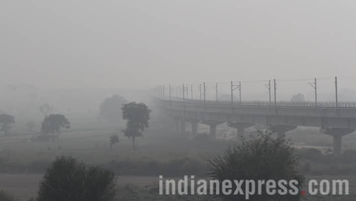 Diwali, Delhi pollution, Delhi diwali pollution, Delhi air pollution, Diwali air pollution, Delhi diwali air pollution, Delhi smog, Delhi smog pictures, delhi pollution photos, news, images, Delhi images, Delhi photos, Delhi news, latest news, India news, national news