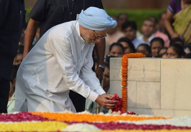 gandhi jayanti, India, Gandhi, gandhi photos, gandhi pictures, India celebrates gandhi jayanti, mahatma gandhi, swachh bharat, gandhi swachh bharat, India news, latest news, gandhi jayanti images, national news, latest news