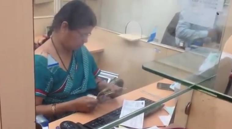 fastest cashier in the world video, premlata shinde video, social video, Harshad Ghodke and Balaraju Somisetty, indian express, indian express news