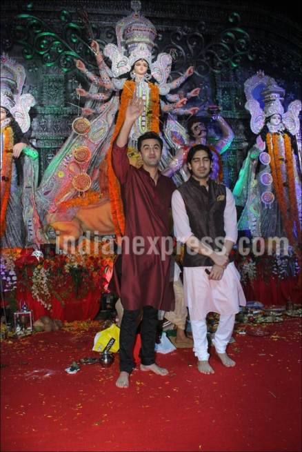 ranbir kapoor, durga puja, navmi, dugra pooja celebration photos, ranbir, ranbir durga puja pics, entertainment photos, indian express, indian express news