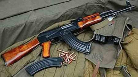 kashmir militants, militants kill constables, jammu kashmir news, budgam, militants flee with weapons, indian express