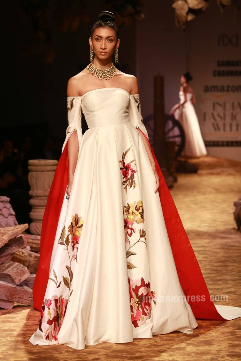 477faa5b18 The Fashion Design Council of India (FDCI) celebrated the charm of the  chanderi fabric at the opening show of the Amazon India Fashion Week (AIFW)  Spring ...