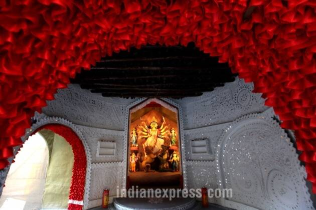 durga puja, durga puja 2016, 2016 durga puja, durga pujo, durga puja themes, kolkata durga puja, kolkata puja themes, kolkata durga idols, india puja themes, india durga puja pandals, durga puja pandals, kolkata news, india news, durga puja news, latest news, durga puja photos, durga puja 2016 photos,