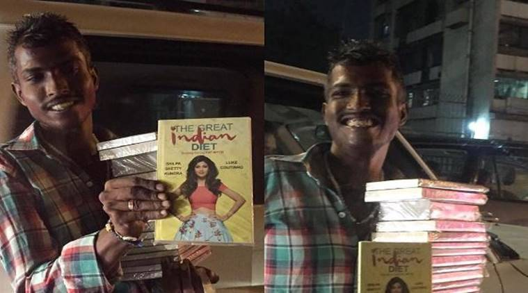 This hawker bumped into Shilpa Shetty while selling her book/ Instagram