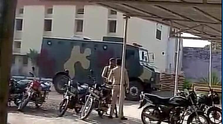 simi, simi activists break out of jail, simi members bhopal jail, simi activists bhopal jail, bhopal jail breakout, simi jail breakout, simi high alert, bhopal news, delhi news, indian express news