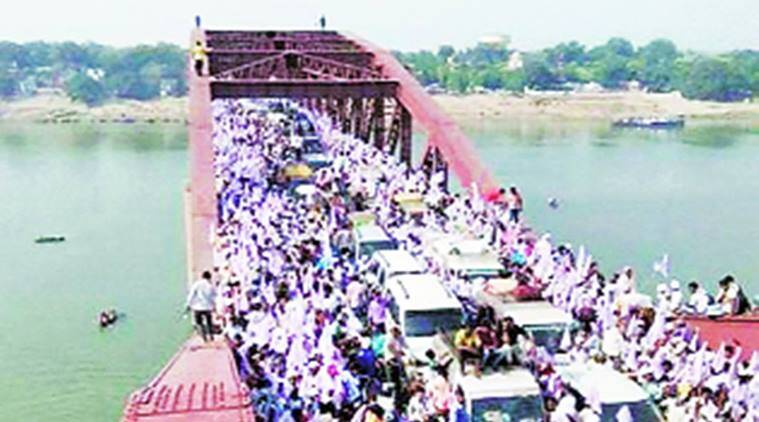 Varanasi, stampede, Varanasi stampede, Varanasi stampede toll, Varanasi-Chandauli border, varanasi bridge stampede, india news