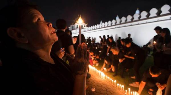 thailand, thailand king death, thai king death, thailand king died, thailand mourning period, Bhumibol Adulyadej death, thailand news, indian express news