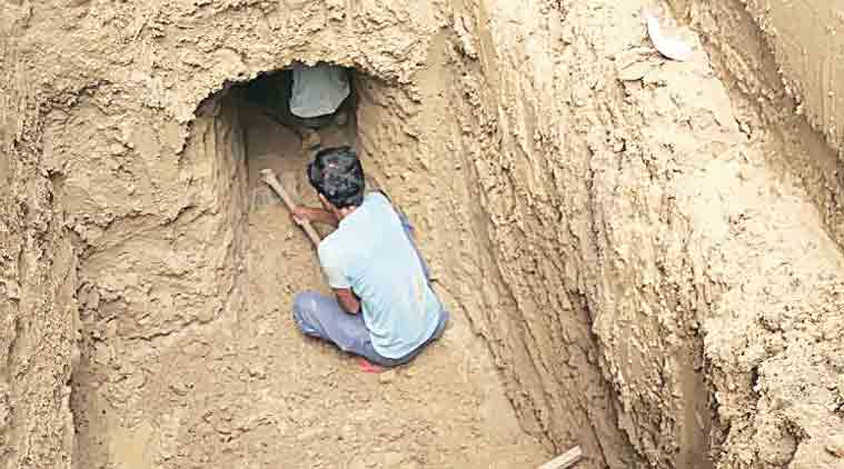 Odh community, digging graves, earth diggers, digging tunnels, labours, delhi Odh community, india news