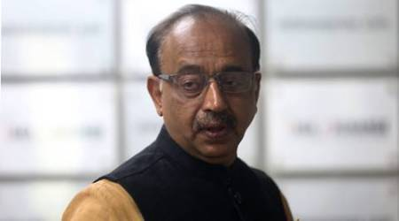 Vijay Goel sets up camp to help people with currency exchange formalities