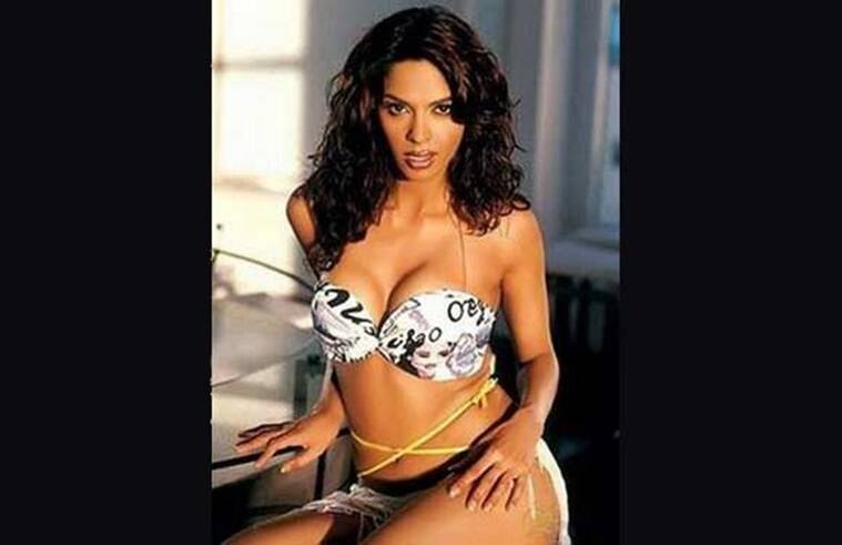 Mallika sherawat hot and sexy