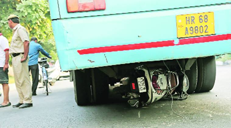 Panchkula, bus accident, two killed, himachal roadways bus, bus collision, india news, indian express