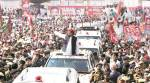 Family puts up united show, but Akhilesh yatra hits another hurdle as rath breaks down