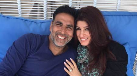 After Twinkle Khanna's tweet, Akshay Kumar sets up toilet near Juhu beach