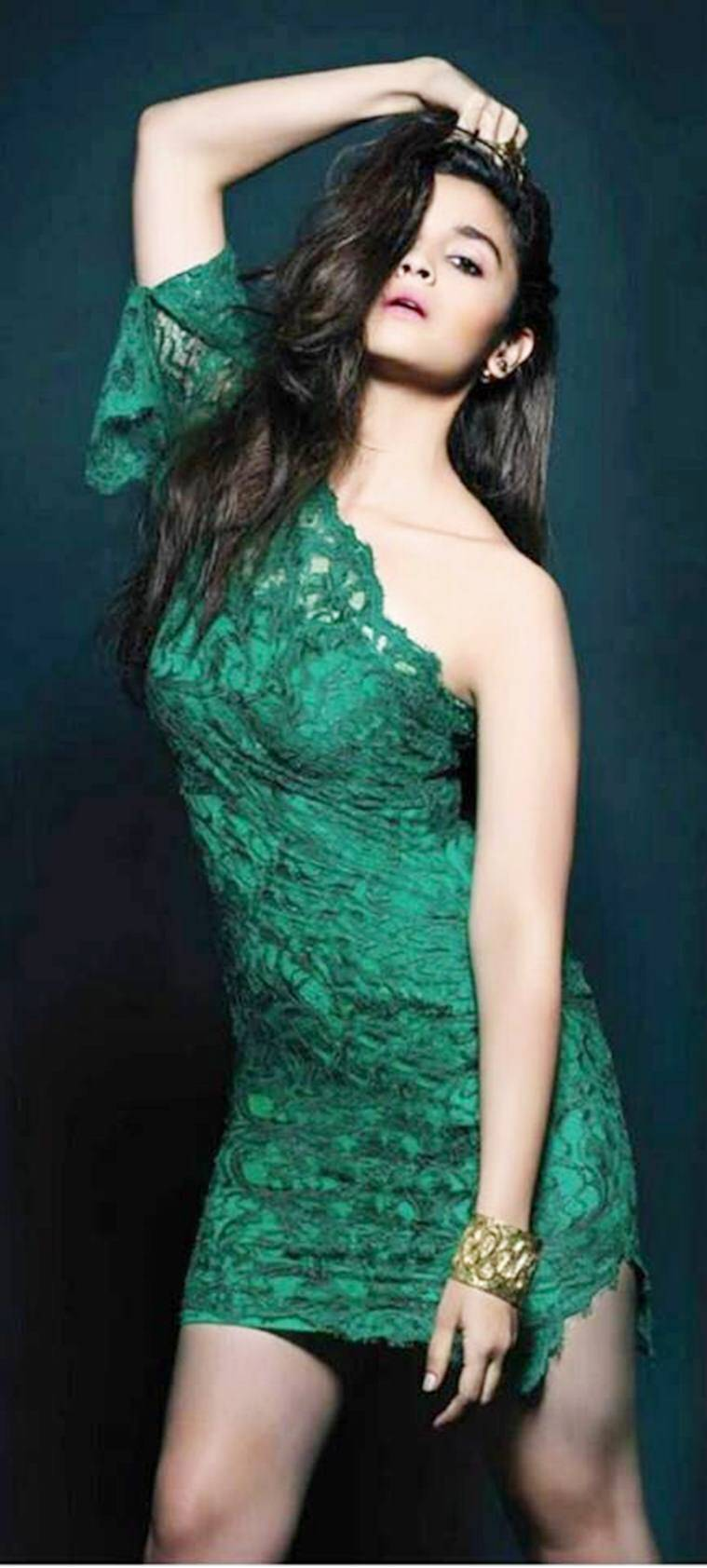 alia-bhatts-latest-photoshoot-for-lofficial-india_5