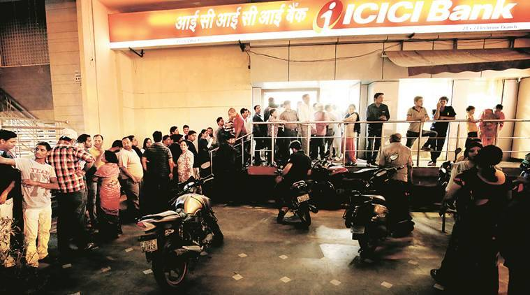 No cash in Noida ATMs, people flock to banks
