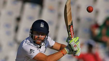 Ashes 2017-18: England wicketkeeper Jonny Bairstow survives injury scare