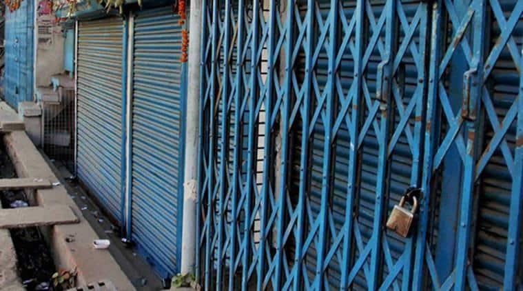 GST, GST on cloths, Gujarat cloth shops, Gujarat cloth shops closed, Gujarat cloth shops strike, GST on fabric, indian express news