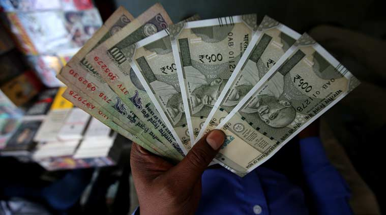 Rs 500 notes by Sat