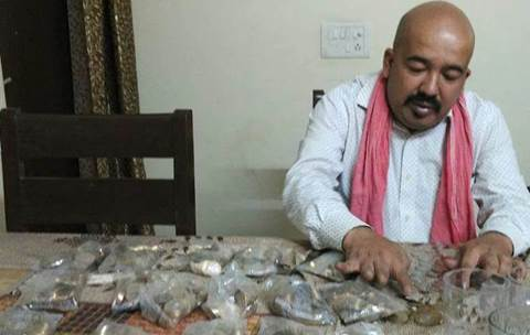 Man gets Rs 20,000 in 10 rupee coins from Delhi bank amid ...