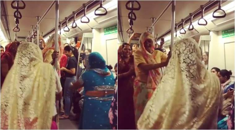 Saree-clad women dance on Delhi metro/ Facebook: Ritika Dahiya