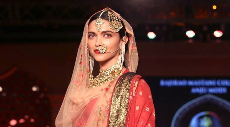 deepika padukone, padmavati, deepika ranveer shahid, deepika's padmavati look, ranveer padmavati look, shahid's padmavati look, delhi deisgners padmavati, padmavati harpreet rimple narula, padmavati rimple harpreet, padmavati sinhalese, bollywood news, indian express news, indian express