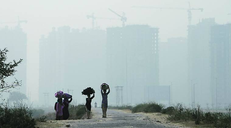 delhi, delhi pollution, delhi smog, delhi diwali pollution, smog noida, noida smog diwali, noida pollution, air quality delhi, air quality noida, delhi news, noida news, indian express, india news