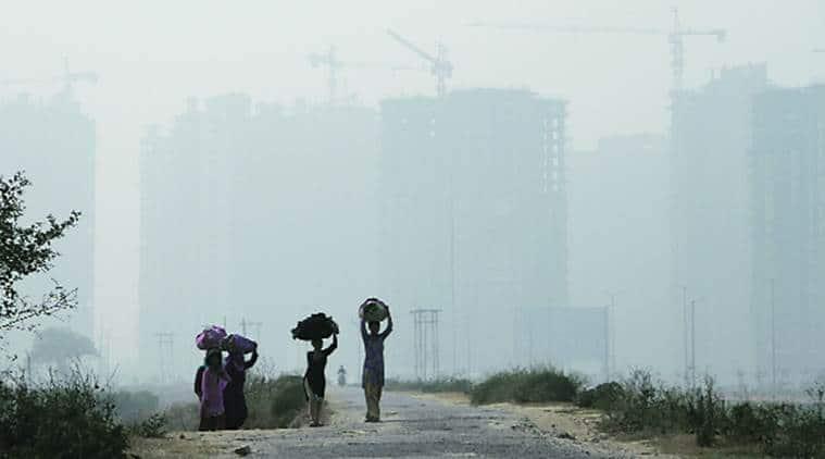delhi, delhi pollution, delhi smog, delhi diwali pollution, smog noida, noida smog diwali, noida pollution, air quality delhi, air quality noida, delhi news, noida news, indian express, india news