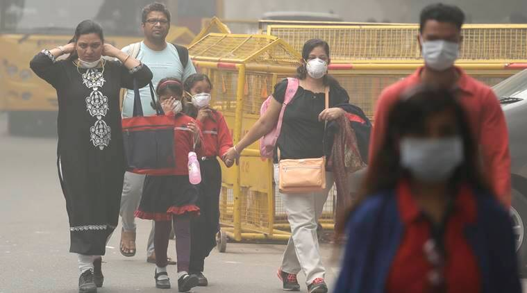delhi air pollution, smog, manish sisodia, delhi government schools, schools closed in delhi, arvind kejriwal, delhi smog, delhi air quality today, delhi pollution level today, PM 2.5, PM 10 levels, indian express news, india news