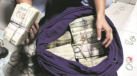 Ranchi: Two held with Rs 18 lakh in old notes, hunt on for others involved